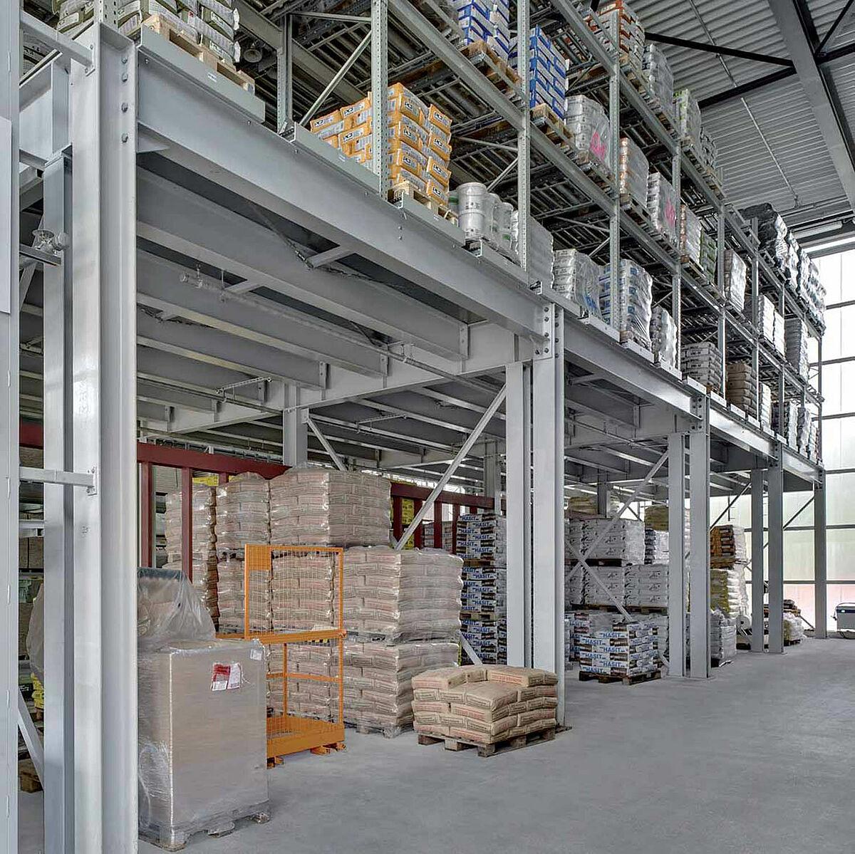 Ils remplissent toutes les conditions pour accueillir sur une surface  réduite un maximum de produits lourds de construction. 9bb2c2cabd09